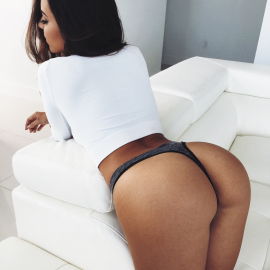 Le beau cul d'une gourmande de sexe
