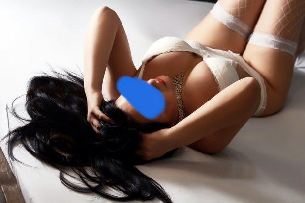 Les gros seins de Geneve en Visio sex